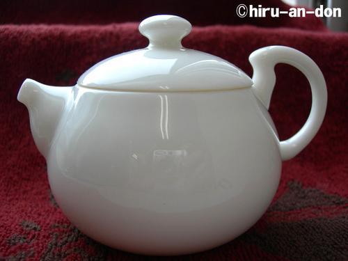 茶香好友の白磁茶器セットの茶壺