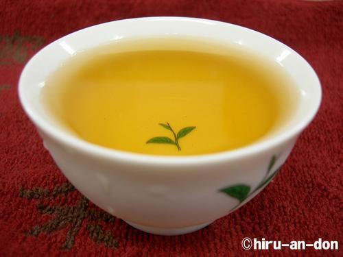 蘇文松茶師の文山東方美人94年